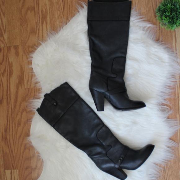 25d22ab3682cc3 Sam Edelman Grey Heel Boots 7.5 GUC. M 5b0ee7303b1608759d6c5736